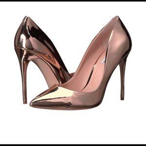 Steve Madden Daisie Rose Gold Pump heels